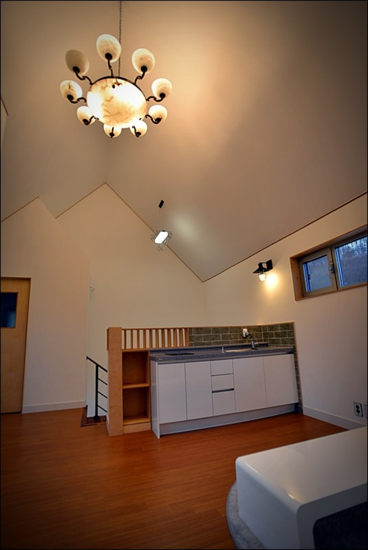 세종시 단독주택: 건축사사무소 사람인의  복도 & 현관