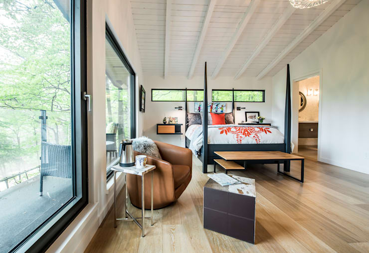 Mad River Chalet: modern Bedroom by BLDG Workshop Inc.
