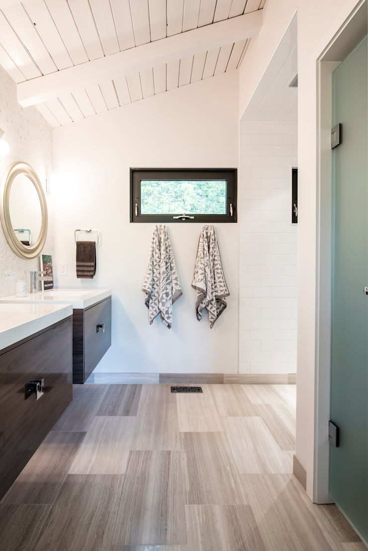 Mad River Chalet: modern Bathroom by BLDG Workshop Inc.