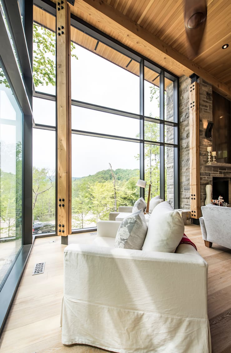 Mad River Chalet: modern Living room by BLDG Workshop Inc.