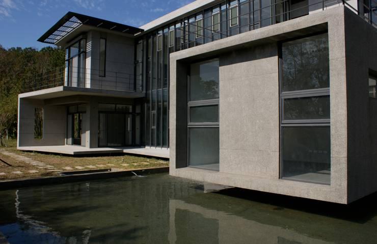 新埔  休閒別墅:  房子 by 大也設計工程有限公司 Dal DesignGroup