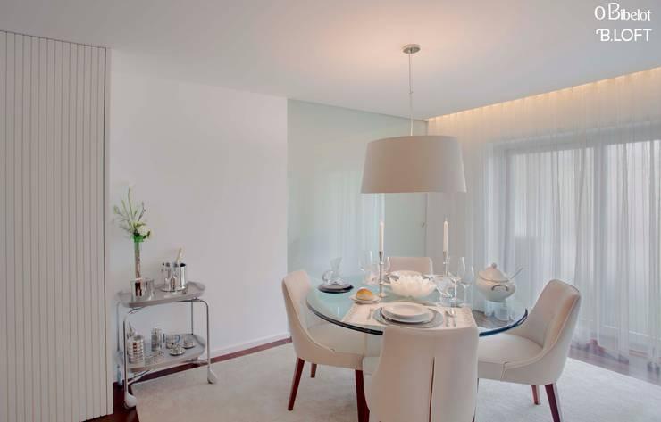 2015, Decoração de Apartamento BI: Salas de jantar  por B.loft