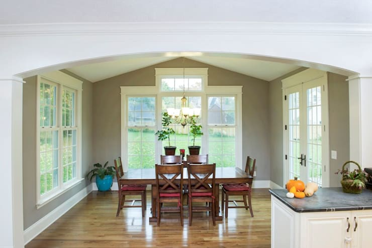 Dining room by New Leaf Home Design