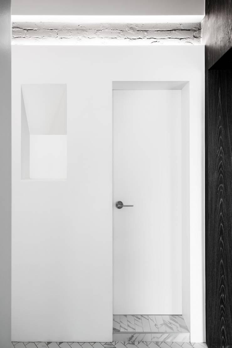 1986년 만들어진 목동3단지 아파트 50*호 리모델링 프로젝트: STARSIS의  창문 & 문