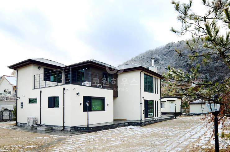 홍천 모곡리 주택: 코원하우스의  주택