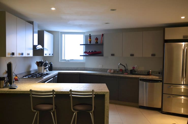 مطبخ تنفيذ TREVINO.CHABRAND | Architectural Studio