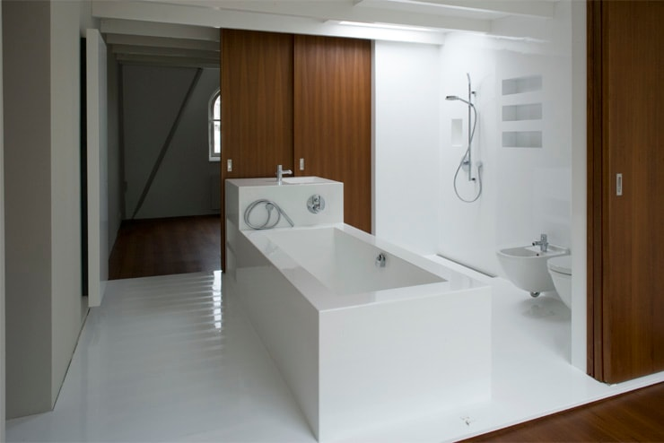 Modern style bathrooms by Architectenbureau Filip Mens Modern Plastic