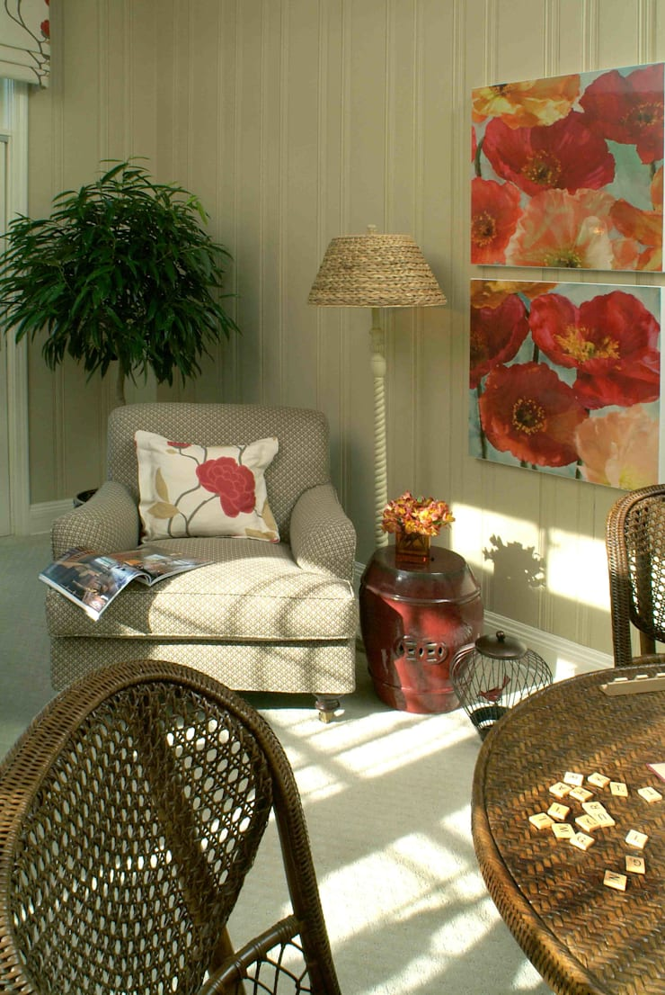 Poppy Sunroom: classic Study/office by Kay rasoletti Interior Design