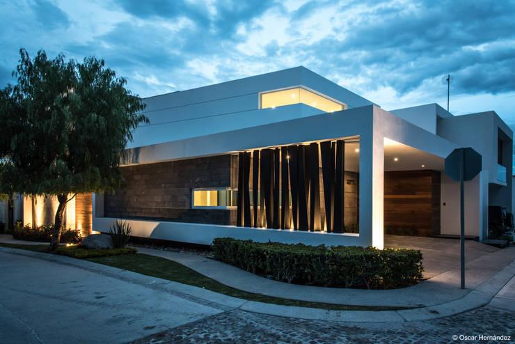 15 diseños de fachadas para casas en esquina