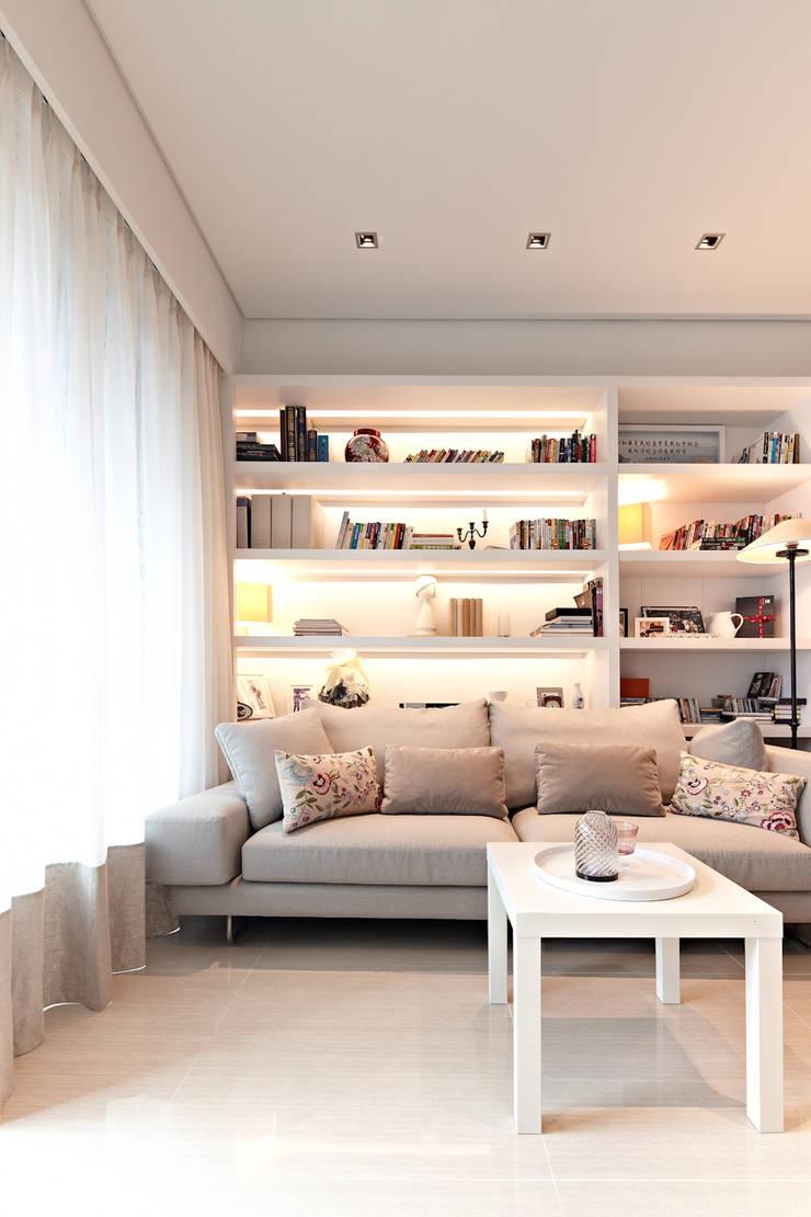 緞鋼:  客廳 by 大晴設計有限公司
