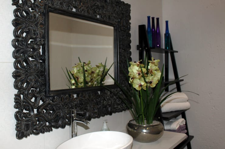 Bathroom Mirror and Vanity:  Bathroom by Inside Out Interiors
