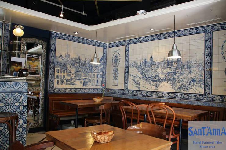 Restaurant - Lausanne 9 (Le P'tit Central): Paredes  por Sant'Anna,Clássico Azulejo