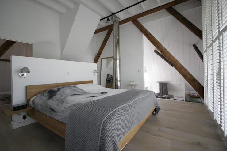 Country style bedroom by Van der Schoot Architecten bv BNA Country Wood Wood effect