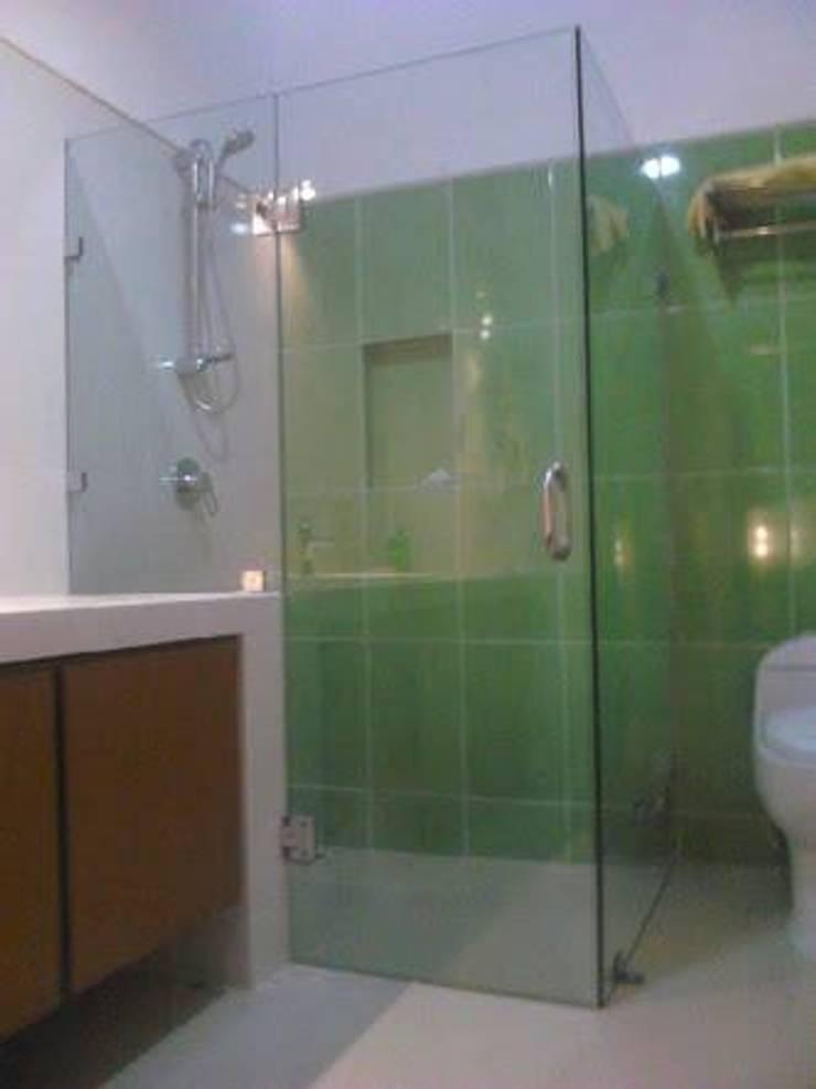 Duchas: Baños de estilo  por ORO ARQUITECTURA