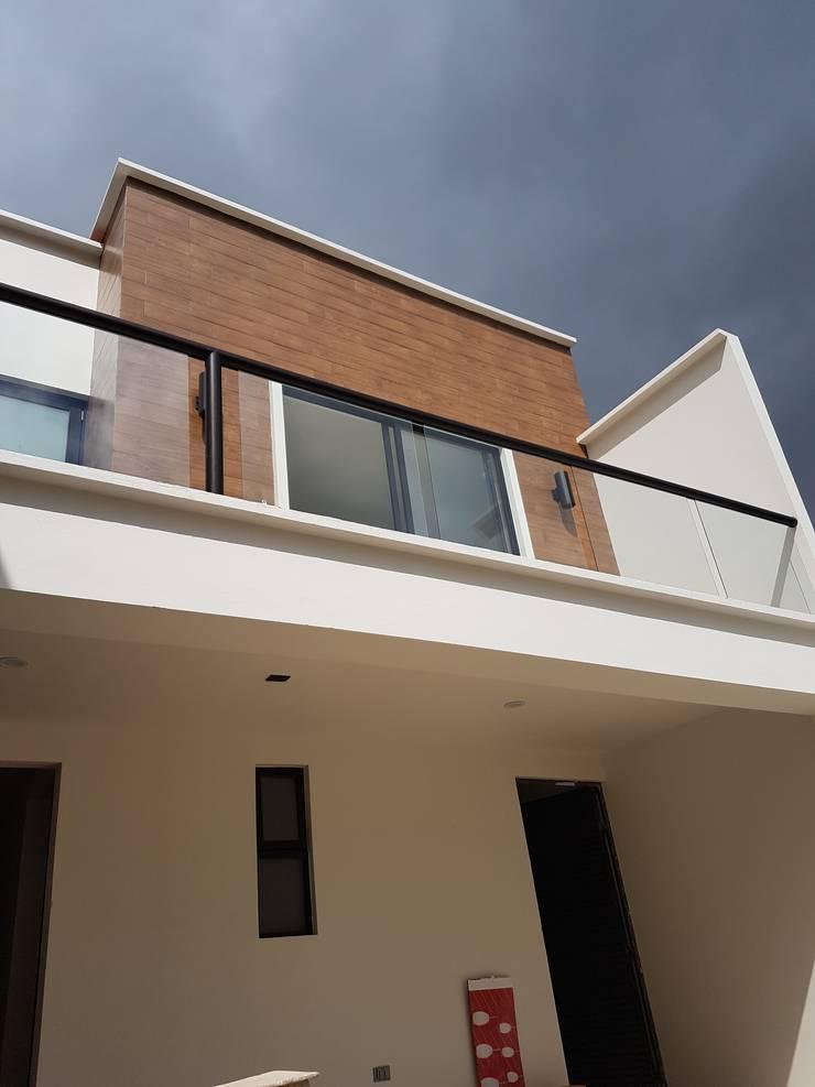 casa.xalapa: Casas de estilo  por bmas arquitectura