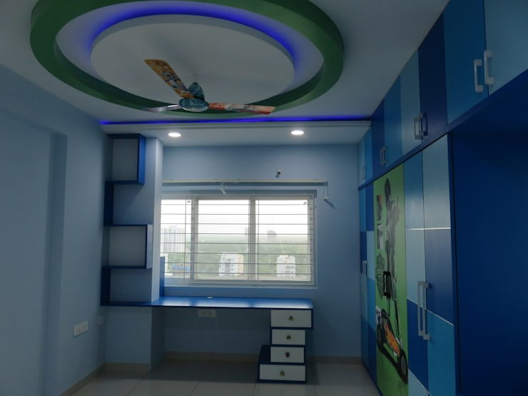 false ceiling & study table:  Bedroom by Bluebell Interiors