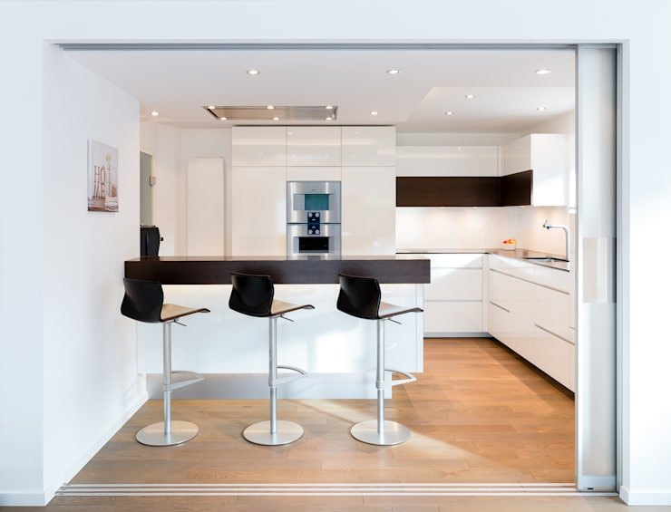 Wohnküche Nach Maß Mit Kochinsel: Moderne Küche Von Klocke Möbelwerkstätte  GmbH