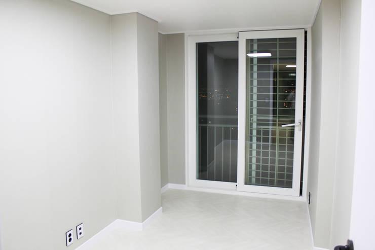 타이틀: 코디앤하우스의  창문
