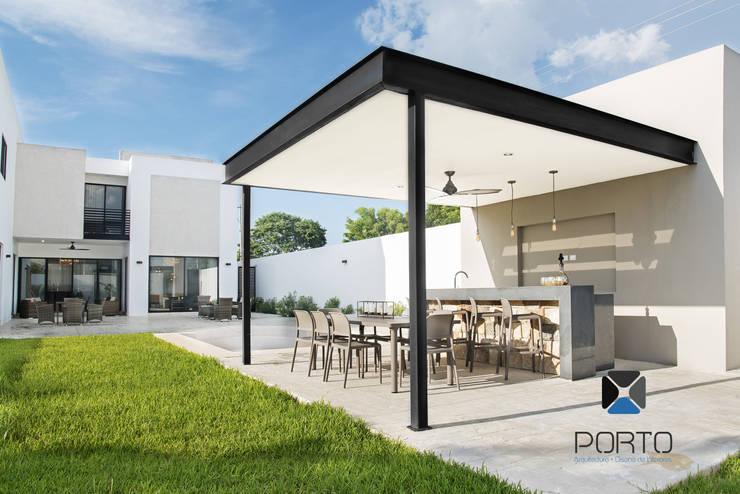 露臺 by PORTO Arquitectura + Diseño de Interiores