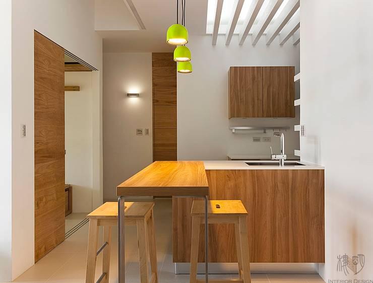 Projekty,  Kuchnia zaprojektowane przez 禾光室內裝修設計 ─ Her Guang Design
