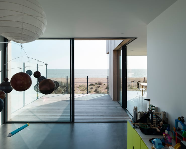 Old Fort Road:  Living room by IQ Glass UK