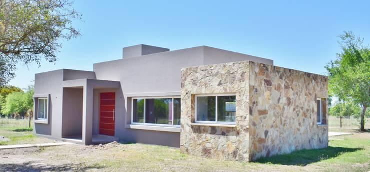 房子 by Carlos Iriarte arquitectura