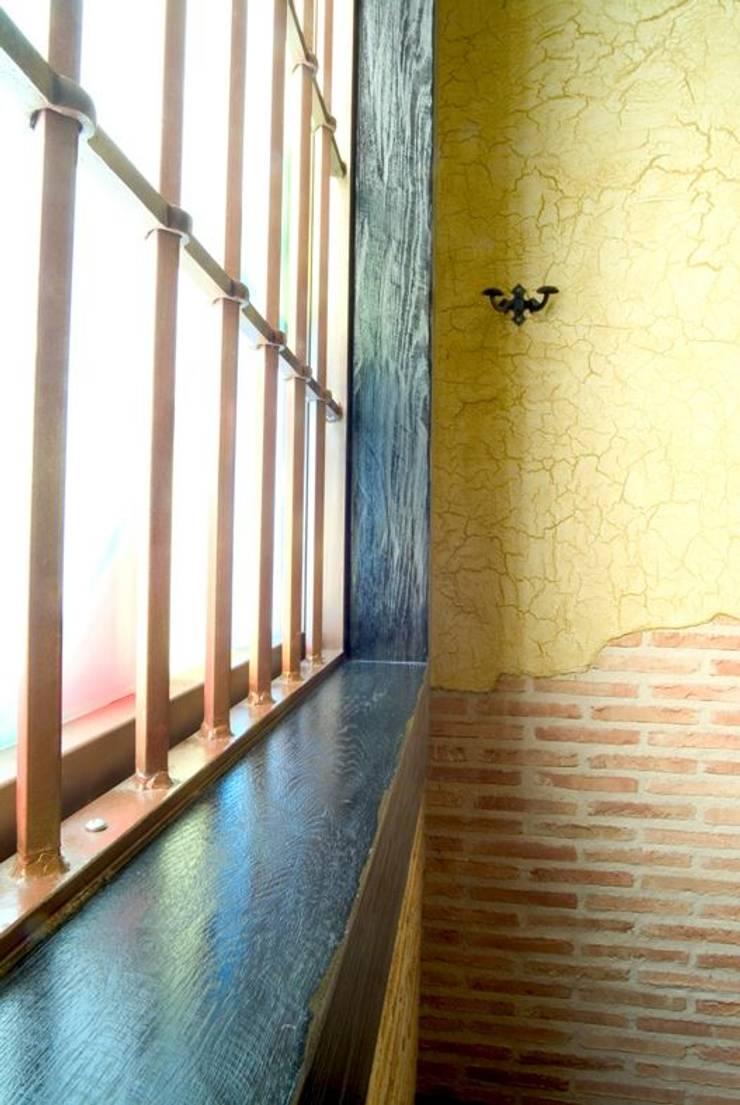 FISSURE, MASILLA ACRÍLICA DE AUTOFISURACIÓN Bares y clubs de estilo rústico de Pinturas oliváN Rústico