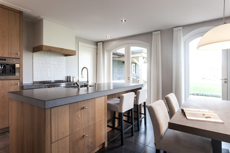 Кухня в . Автор – Bob Romijnders Architectuur & Interieur