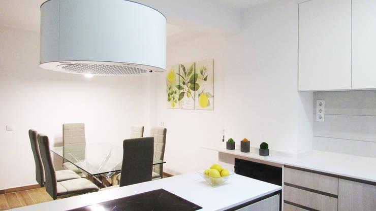 modern Kitchen by PL Architecture
