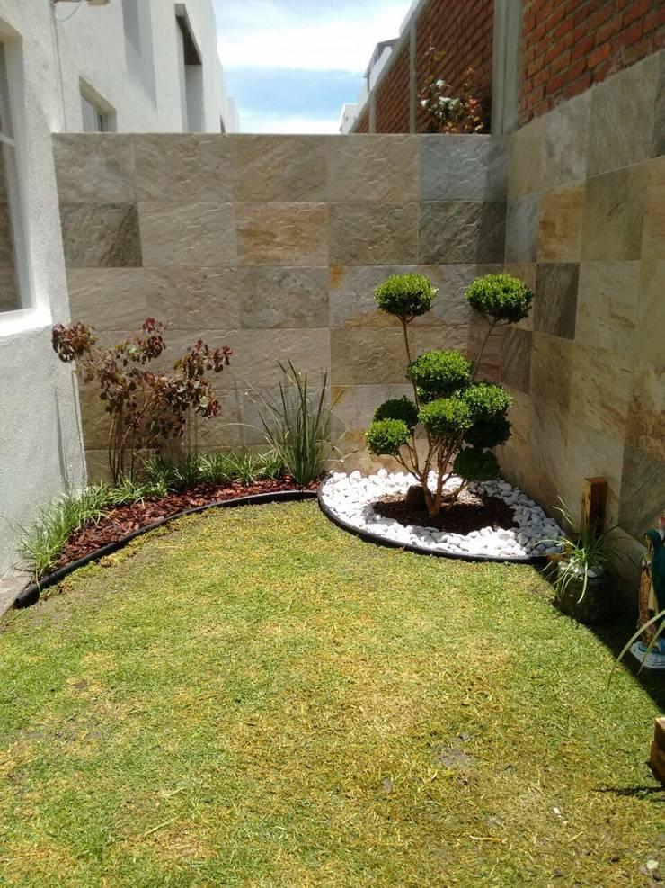 Jardines de estilo  por Arqca , Minimalista