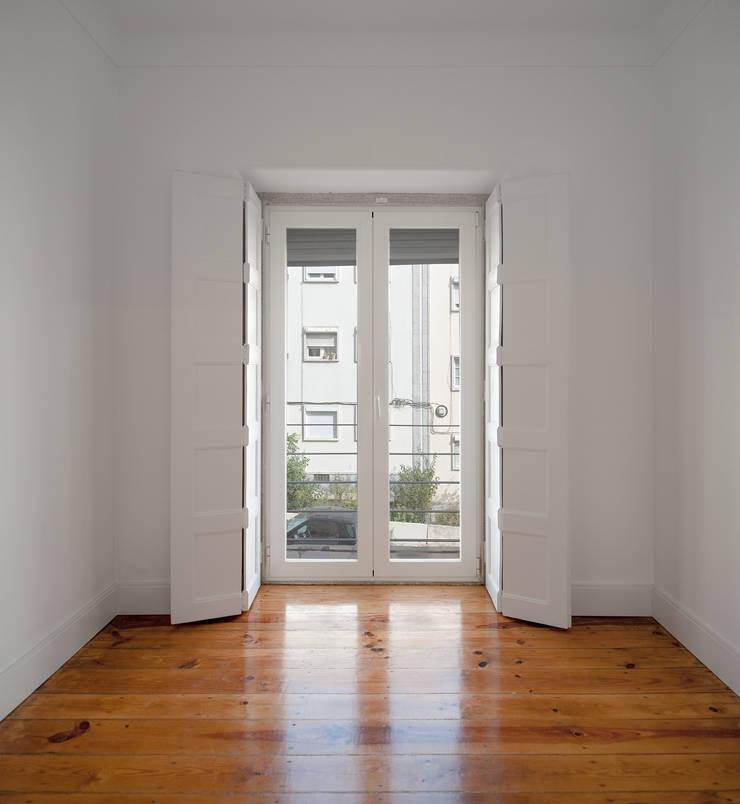 Apartamento ST: Quartos  por FMO ARCHITECTURE