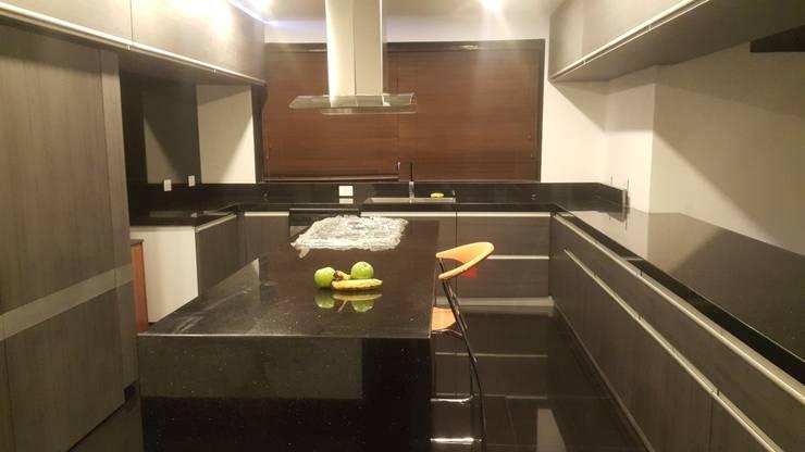 Cocinas de estilo  por Camilo Pulido Arquitectos