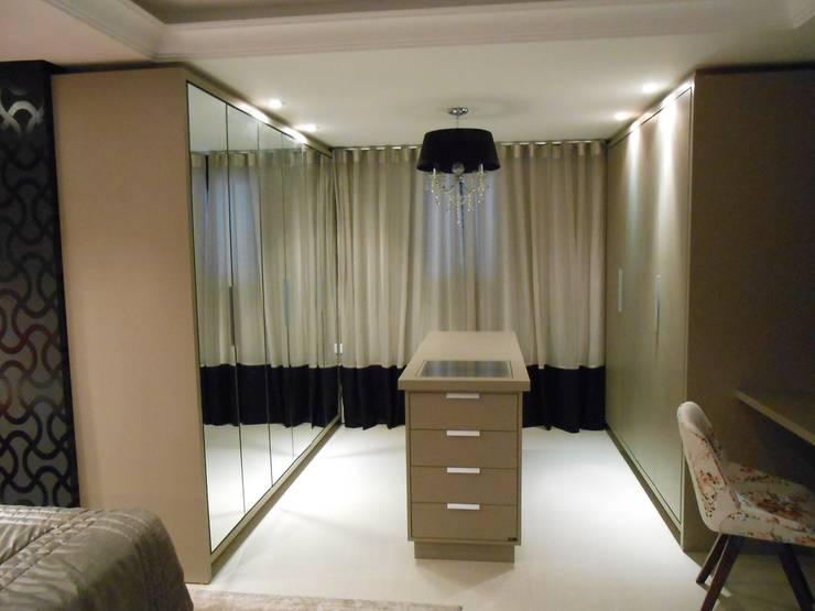 Bedroom by Mariana Von Kruger Emme Interiores