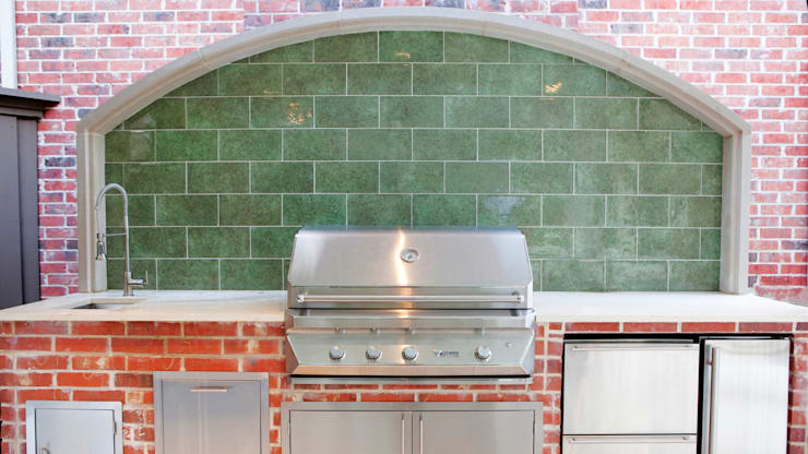 Entertaining Garden—Transitional Landscape Design:  Kitchen by Matthew Murrey Design