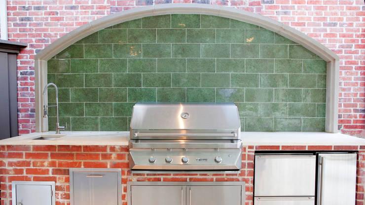 Entertaining Garden—Transitional Landscape Design: eclectic Kitchen by Matthew Murrey Design