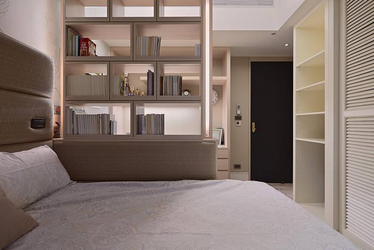 北歐摩登樓中樓輕混搭:  臥室 by AIRS 艾兒斯國際室內裝修有限公司
