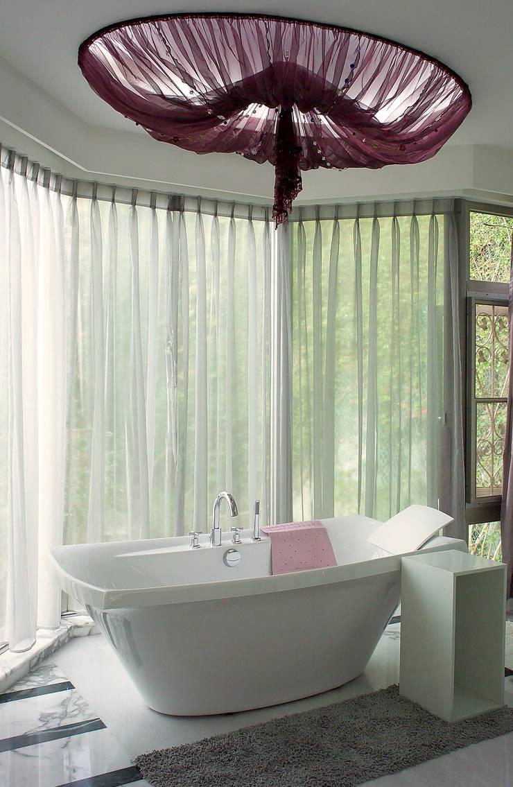 挹翠山莊:  浴室 by AIRS 艾兒斯國際室內裝修有限公司