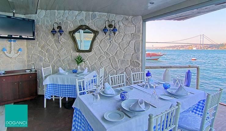 Doğancı Dış Ticaret Ltd. Şti. – Doğa Balık Restaurant / Gül Sultan Yalısı:  tarz Duvarlar, Kırsal/Country Taş