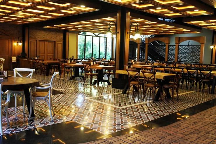 Doğancı Dış Ticaret Ltd. Şti. – Florya Şazeli Restaurant:  tarz Duvarlar, Kırsal/Country Tuğla