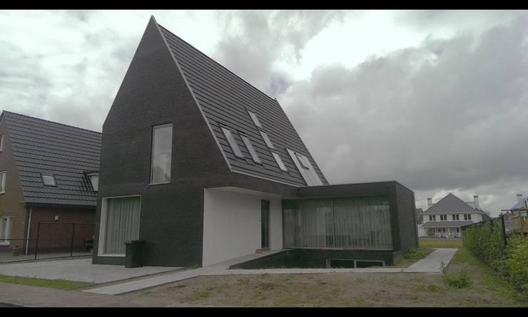 woonhuis de Schans Halsteren:  Huizen door ENA architecten, Modern Steen