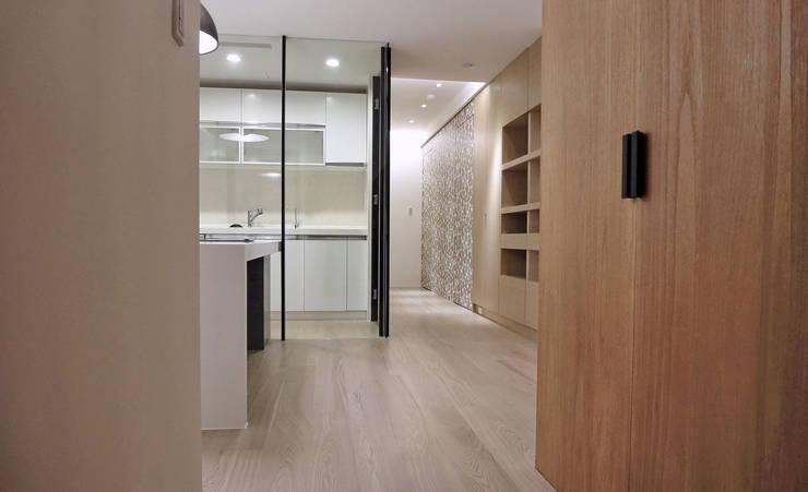 森之丘:  廚房 by AIRS 艾兒斯國際室內裝修有限公司