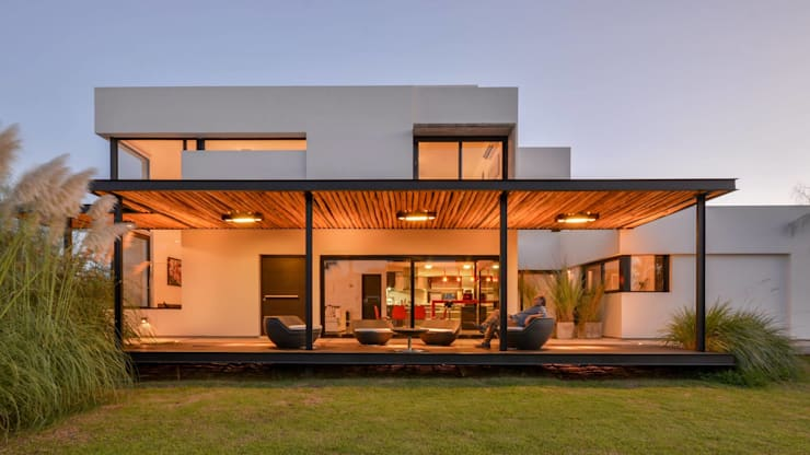 Casa VA: Casas de estilo  por Development Architectural group