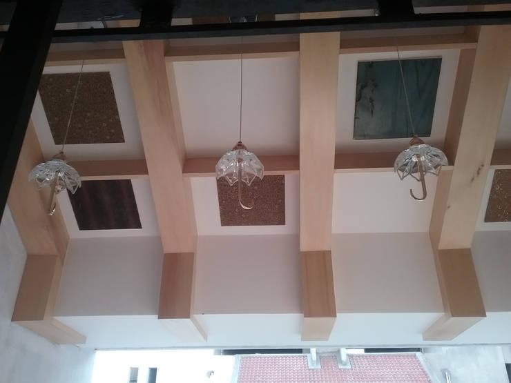 Ceiling:  Corridor & hallway by i'studio creative