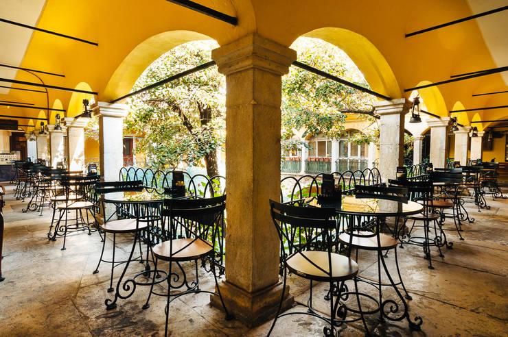Bilgece Tasarım – Taşhan Ihlamur Kafe:  tarz Yeme & İçme, Modern