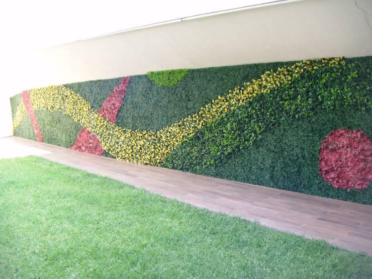 Casa habitacion : Jardines de estilo  por Arquitectura Orgánica Viviana Font