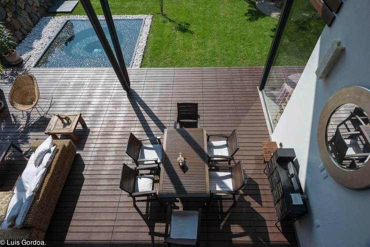 Desayunador Balcones y terrazas modernos de arquitecturalternativa Moderno