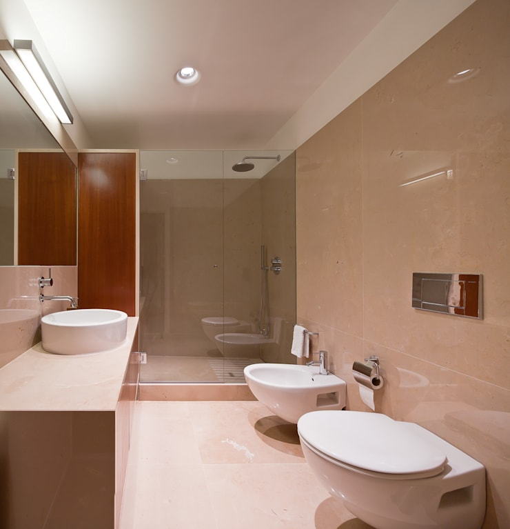 浴室 by FMO ARCHITECTURE, 簡約風