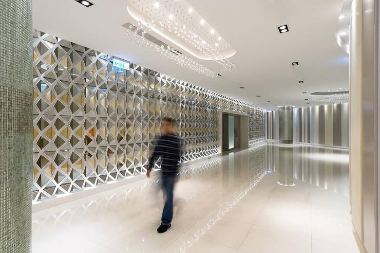 Amazing Banquet Hall:  商業空間 by 大間空間設計有限公司