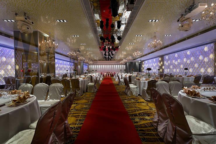 Amazing hall-A zone:  商業空間 by 大間空間設計有限公司