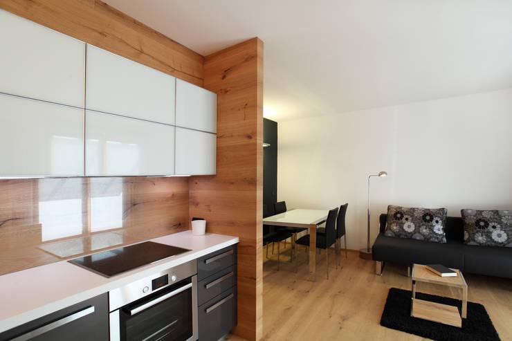 Cocinas de estilo  por gianluca valorz architetto